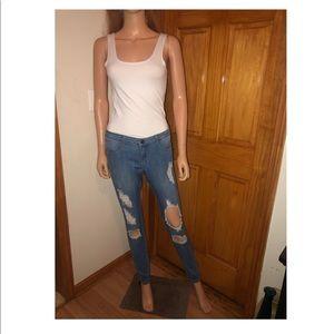 👖Fashionnova ripped jeans